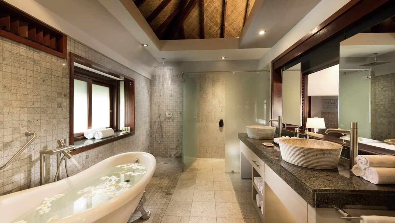 Hotel Hilton Moorea Lagoon Resort & Spa - Bathroom
