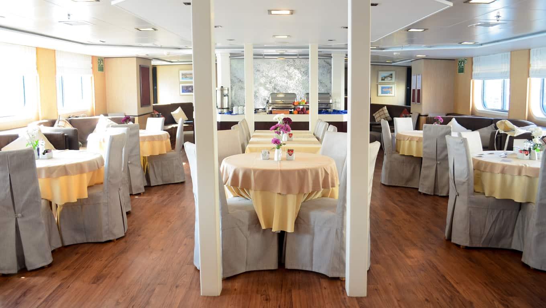 M/Y Harmony V - Dining Room